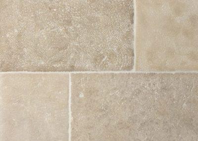 Handgefertigte Natursteinplatten Beige-Elfenbeinfarbe Bahnenware breite 40 und 50 cm für innen und aussen