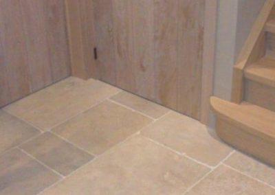 Handgefertigte Natursteinplatten Beige-Elfenbeinfarbe Bahnenware breite 40 und 50 cm für innen und aussen_1