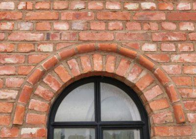 DeFries antike Mauerziegel - Detailansicht Fenster mit Formsteinen